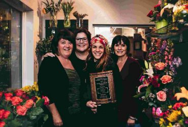 2017 Community Spirit Award given to Casa de Flores