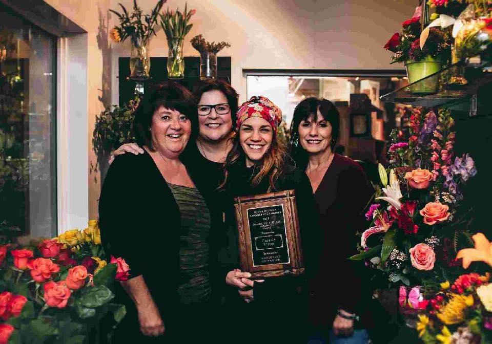 2017 Community Spirit Award given to Casa de Flores