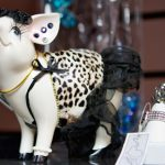 Glam Pig Earring Holder